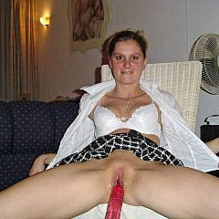 Masturbating-Toys wife.
